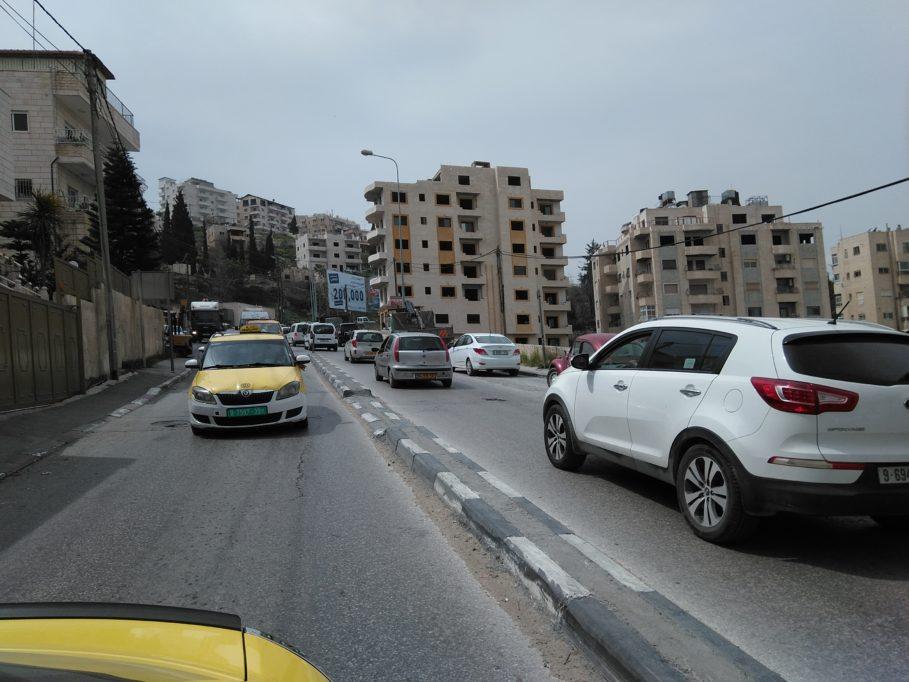 im Taxi unterwegs durch Bethlehem